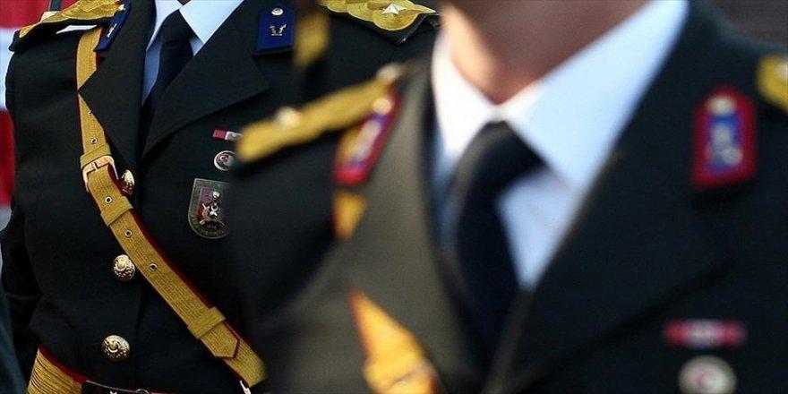 Disiplin takdiri aldıktan 7 ay sonra disiplinsizlik gerekçesiyle ordudan ihraç edildi