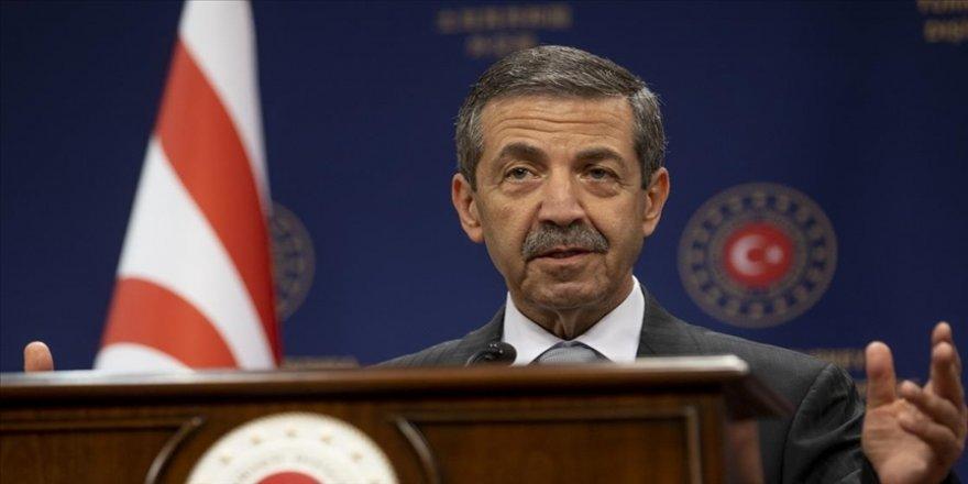 KKTC Dışişleri Bakanı Ertuğruloğlu: 5+1'in yapılacağı toplantı masasında AB temsilcisinin bulunmasını kabul etmiyoruz