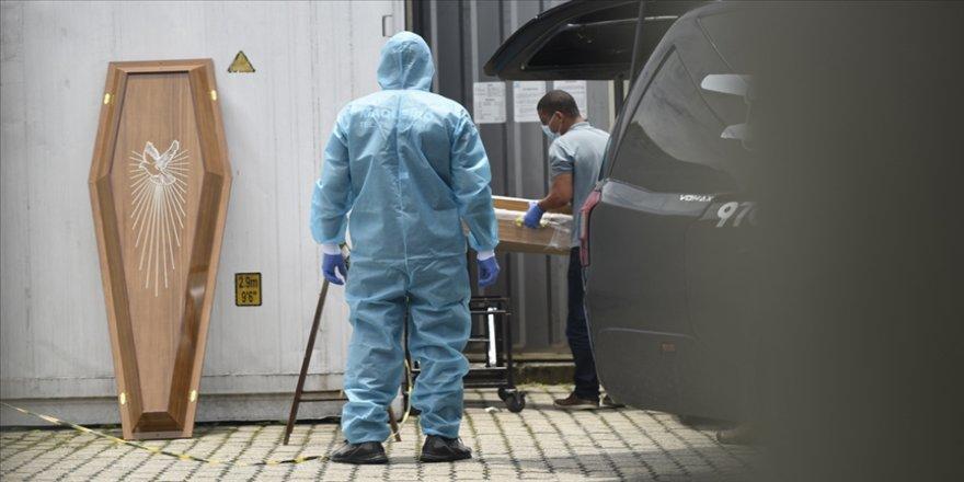 Brezilya'da Kovid-19 nedeniyle ölenlerin sayısı 251 bini geçti