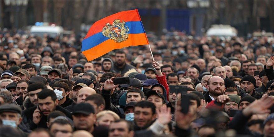 Ermenistan'da ordunun başbakana istifa çağrısına en net ve kararlı tepki Türkiye'den geldi
