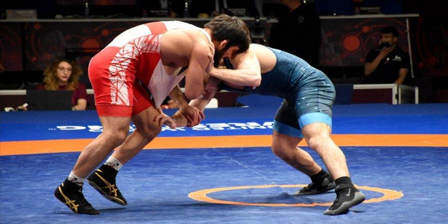 Milli güreşçiler Ukrayna'da finale çıktı