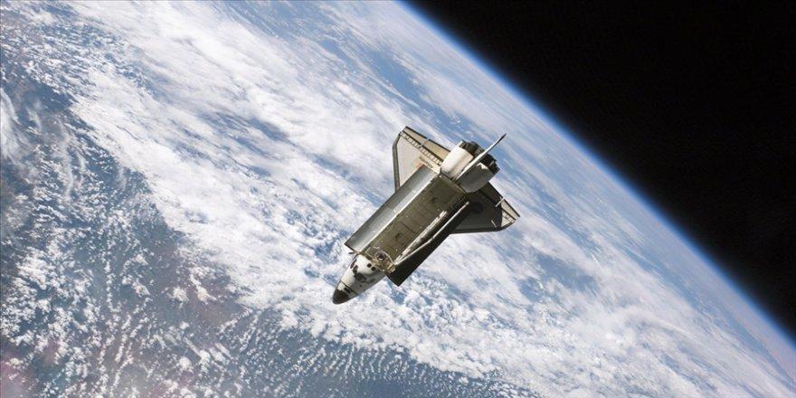 Uzay turizmi şirketi Virgin Galaktik, yörünge altı mekiğinin testini mayısa erteledi
