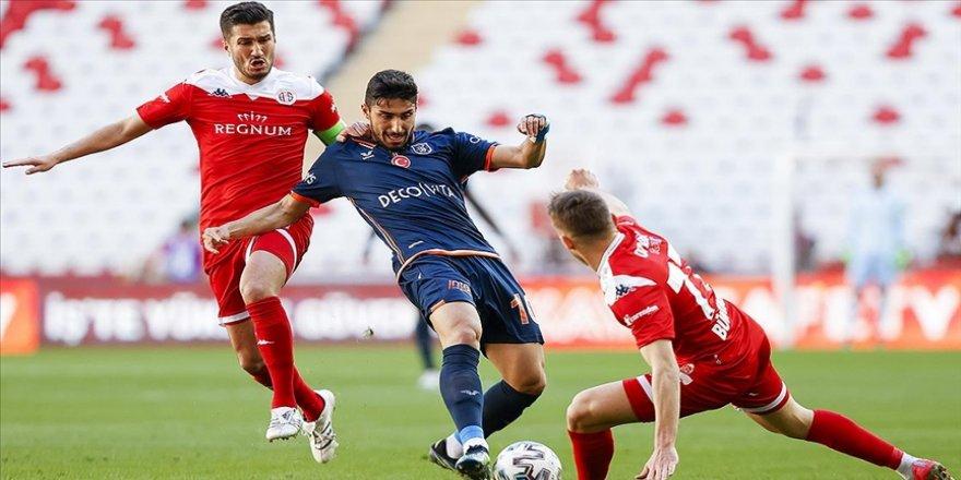 Antalyaspor ve Başakşehir puanları paylaştı