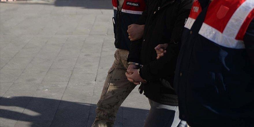Şanlıurfa'da yasa dışı yollarla Türkiye'ye giriş yapmaya çalışan DEAŞ'lı 3 terörist patlayıcı maddelerle yakalandı