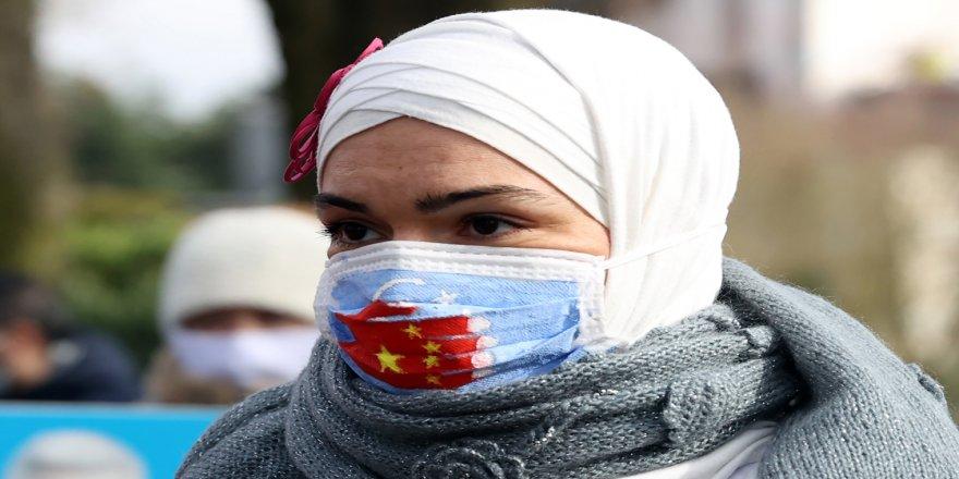 Çin'in Brüksel Büyükelçiliği önünde Uygur protestosu