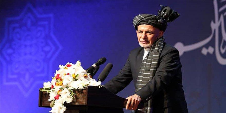 Afganistan Cumhurbaşkanı Gani: Uluslararası toplum Afgan halkını 40 yıldır barıştan mahrum bıraktı