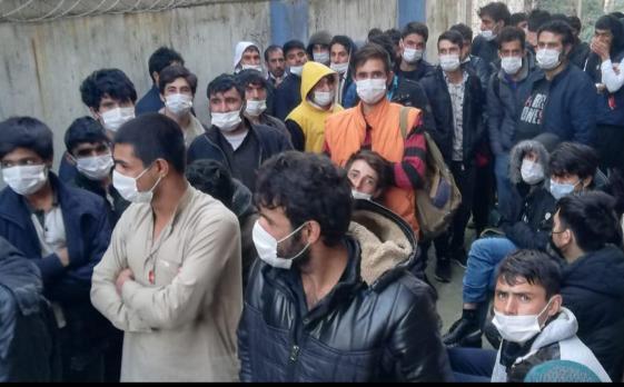 Kocaeli genelinde Afganistan uyruklu 90 düzensiz göçmen yakalandı.