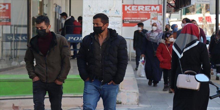 Güneydoğu Anadolu'nun 'Kovid-19 çok yüksek riskli' tek kenti Adıyaman'da tedbirlere uyma çağrısı
