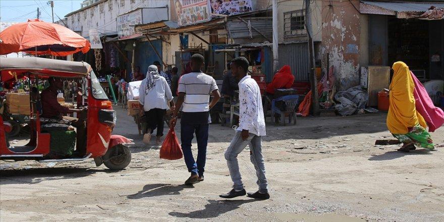 BM: Somali'de Kovid-19'un ekonomiye etkisi nedeniyle günde yalnızca bir öğün yemek yenebiliyor