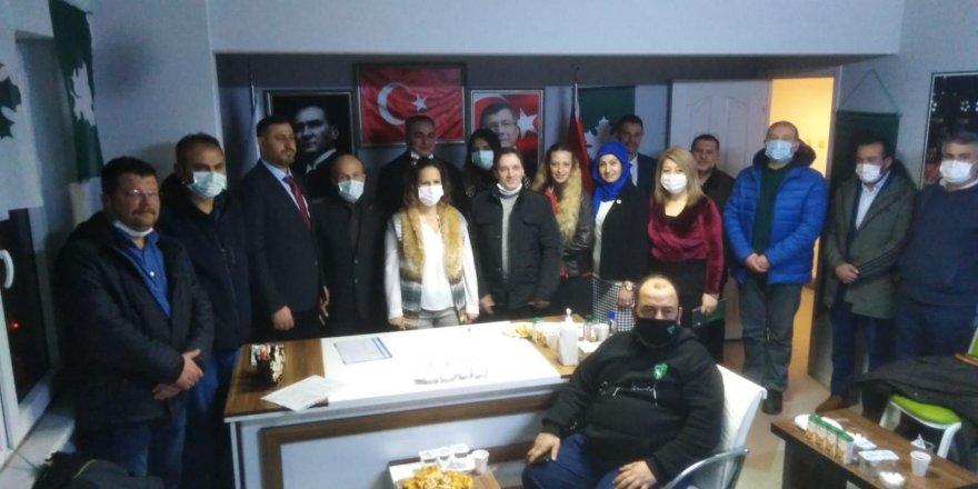 Gelecek Derince'den EYT mağdurlarına destek