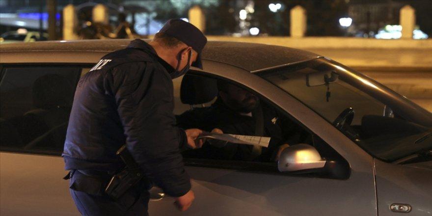 Yunanistan'da Kovid-19 vakalarının artması üzerine tedbirler sıkılaştırıldı