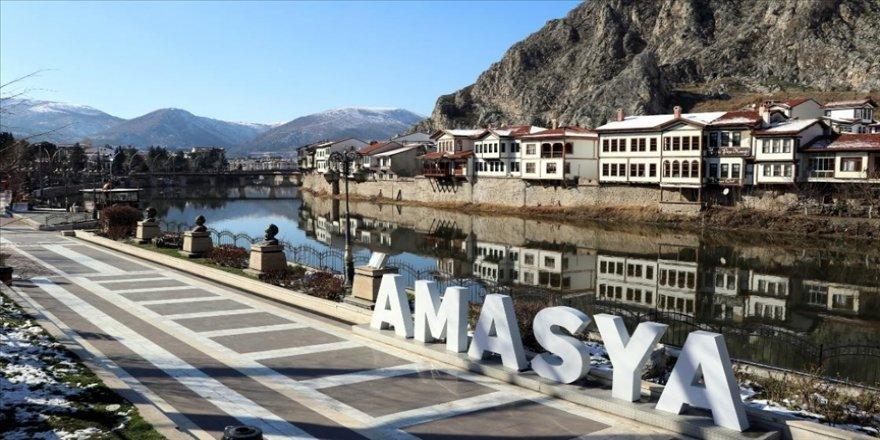 'Çok yüksek riskli' Amasya'da Kovid-19 vakalarının azaltılması için seferberlik başlatıld
