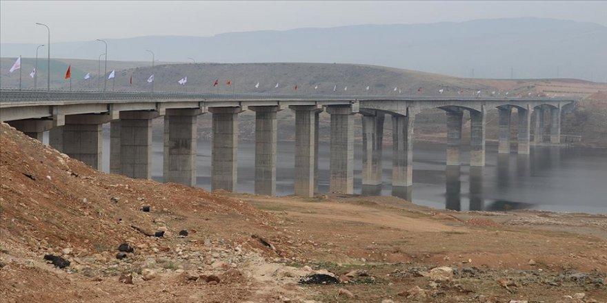 Güneydoğu Anadolu'da ulaşımı kolaylaştıracak Hasankeyf-2 Köprüsü yarın hizmete açılacak