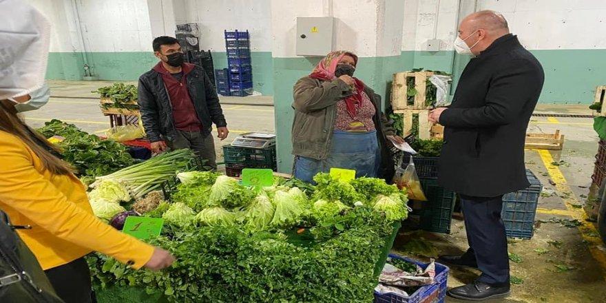 Deva Partisi Çayırova'dan semt pazarını ziyaret