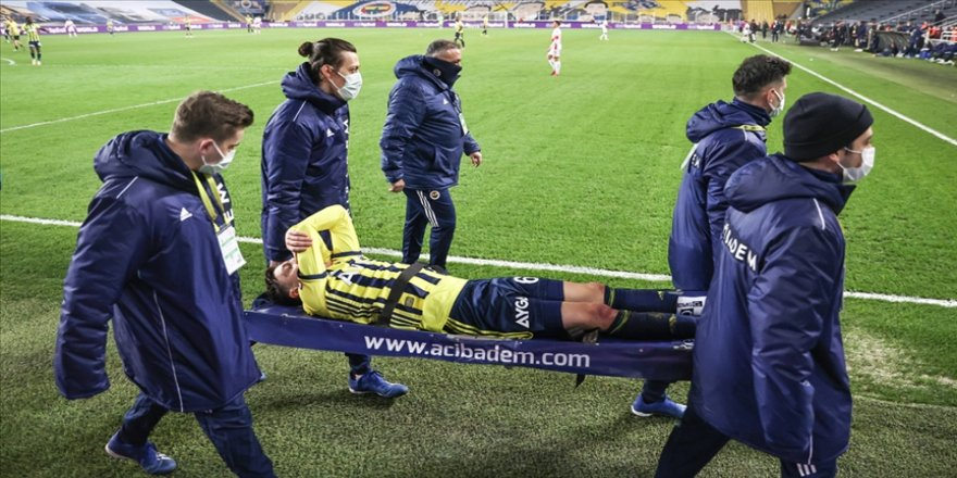 Fenerbahçeli Mesut Özil: Önümüzdeki maçlarda takımımıza yardımcı olamayacağım için çok üzgünüm