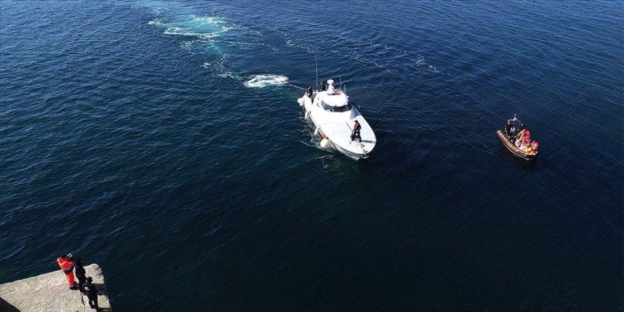 Gökçeada açıklarında batan teknedeki tim komutanı için arama çalışmaları 9'uncu gününde devam ediyor.