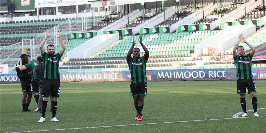 Denizlispor, geriye düştüğü maçta Yeni Malatyaspor'u 3-2 mağlup etti