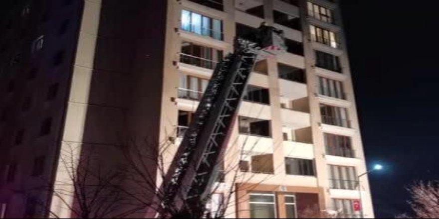 Gebzede Bir Apartmandan çıkan yangın Panik Yarattı
