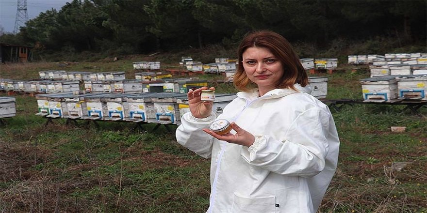 Devlet desteğiyle arıcılık yapan kadın girişimci, markalaştırdığı ürünlerini pazarlıyor