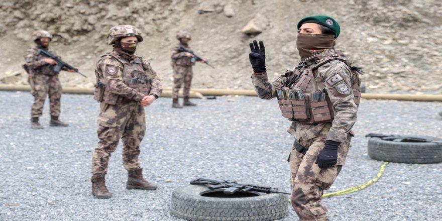 Kadın özel harekatçılar Hakkari'de PKK'nın korkulu rüyası oldu