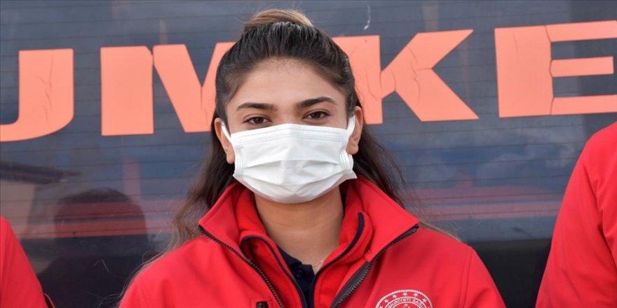 İzmir ve Elazığ depremlerinde can kurtaran UMKE personeli Edanur'dan yaşama bağlayan öneriler