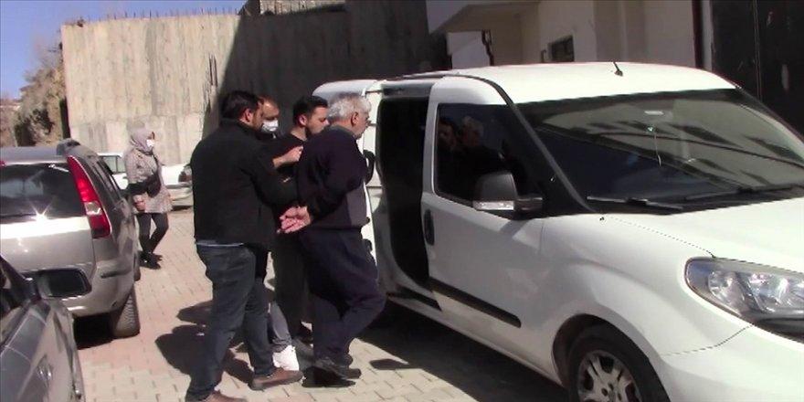 Yozgat'ta FETÖ firarisi hükümlü yatak odasındaki gizli bölmede yakalandı