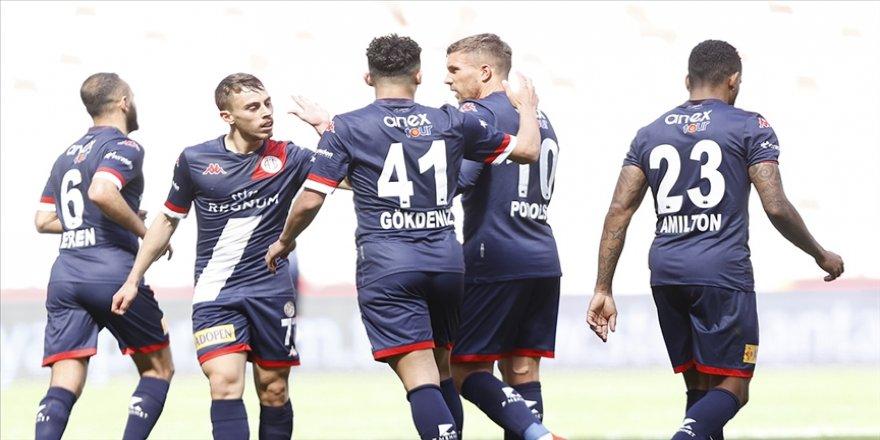 Antalyaspor Süper Lig'de 8 hafta sonra kazandı