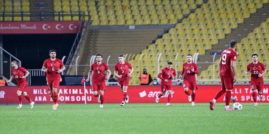 Türkiye Dünya Kupası elemeleri ilk maçında Hollanda'yı konuk ediyor