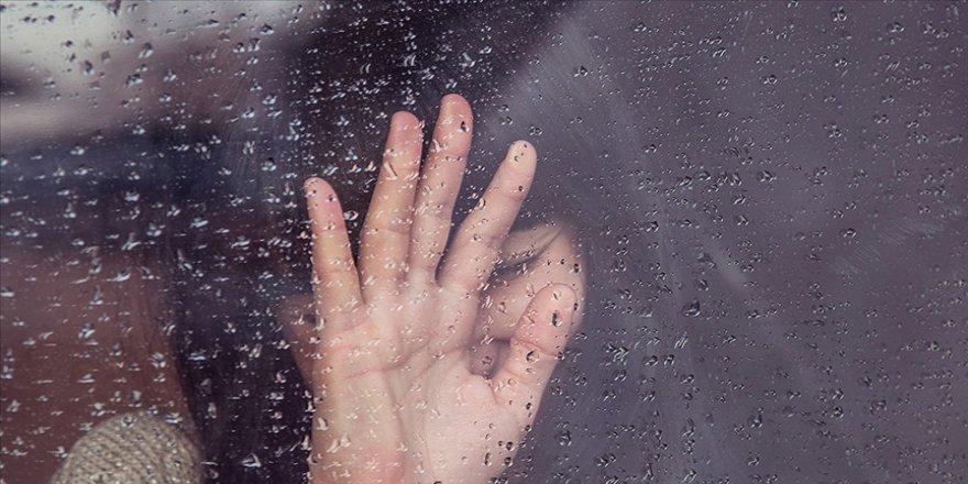 Ruh sağlığı ve hastalıkları uzmanından 'Kovid-19 korkusu depresyona sebep oluyor' uyarısı