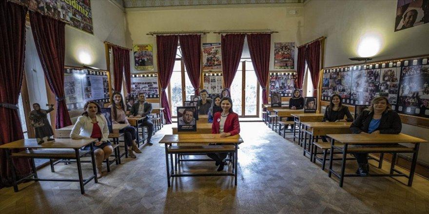 EBA TV İlkokul dersleri Hababam Sınıfı'nın çekildiği 168 yıllık kasırdan öğrencilere ulaştı