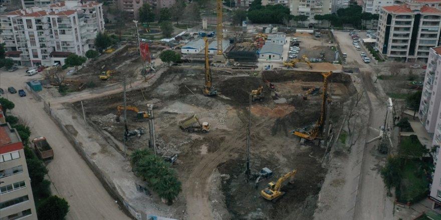 TOKİ, Bayraklı'daki konutların inşasının uzamaması için firmanın 'pazarlık usulüyle' belirlendiğini bildirdi