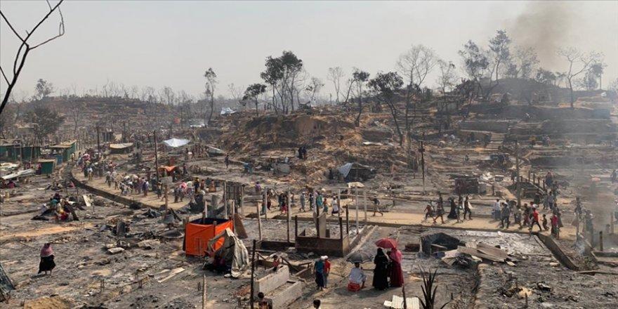 Türk Kızılay: Arakanlı Müslümanların kampında çıkan yangından 55 binden fazla göçmen etkilendi
