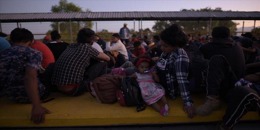 ABD Sağlık Bakanlığı, refakatsiz göçmen çocuklar için Pentagon'dan Teksas'ta yer talep etti
