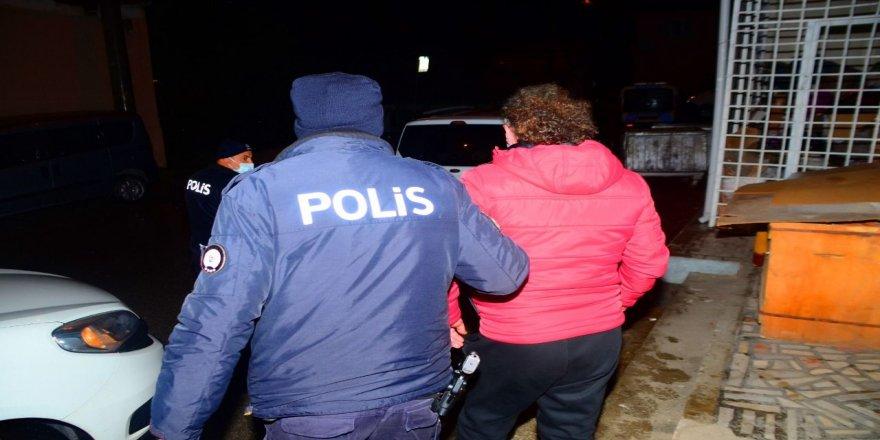 Kocaeli'de 2 aranan Şahıs gözaltına alındı