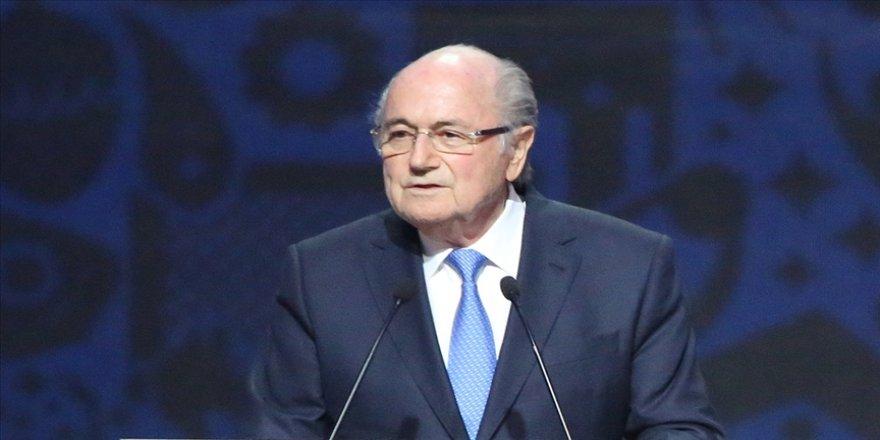 Eski FIFA Başkanı Sepp Blatter futboldan 6 yıl 8 ay men edildi