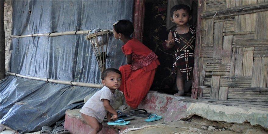 Bangladeş'teki kampta çıkan yangında ailelerinden ayrı düşen Arakanlı çocuklar için çalışma başlatıldı