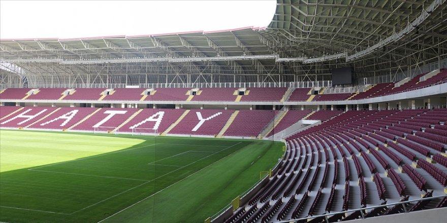 Hatay Stadı açılışında planlanan Hatayspor-Fenerbahçe maçı Kovid-19 nedeniyle iptal edildi