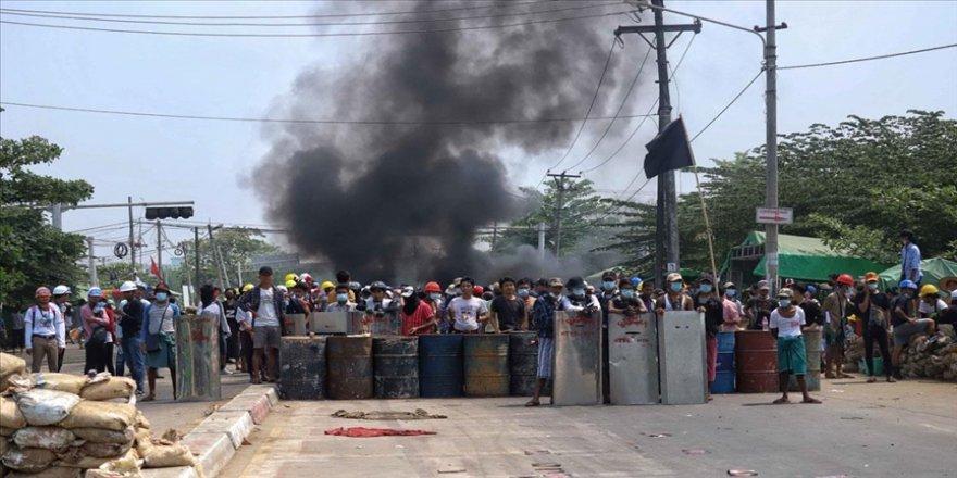 Myanmar'da 'sessiz grev'in ardından darbe karşıtı protestolar sürüyor