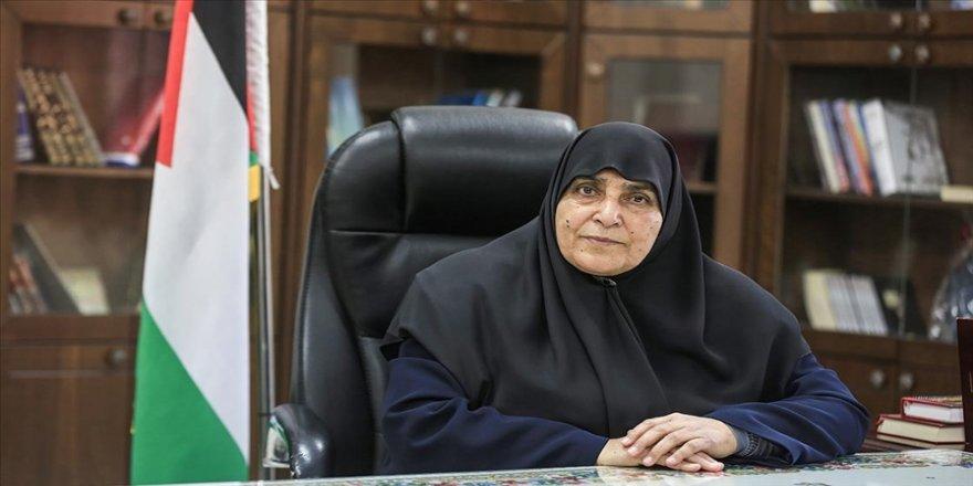 Hamas'ın Siyasi Büro üyeliğine getirilen ilk kadın: Cemile eş-Şanti