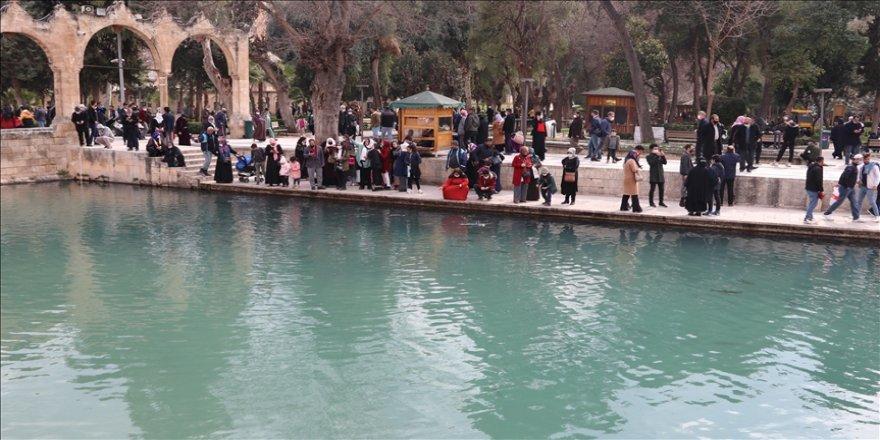 'Peygamberler şehri' Şanlıurfa'da turizm hareketliliği yaşanıyor