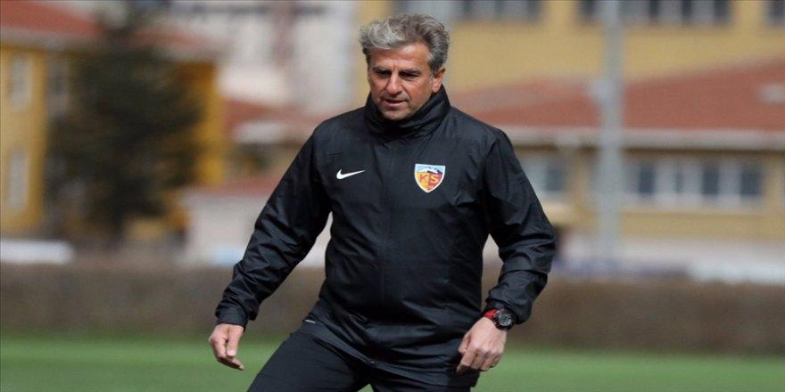 Kayserispor Teknik Direktörü Hamzaoğlu: Türk futbolu, milli takımlar ve oyuncular bazında ileriye doğru gidiyor