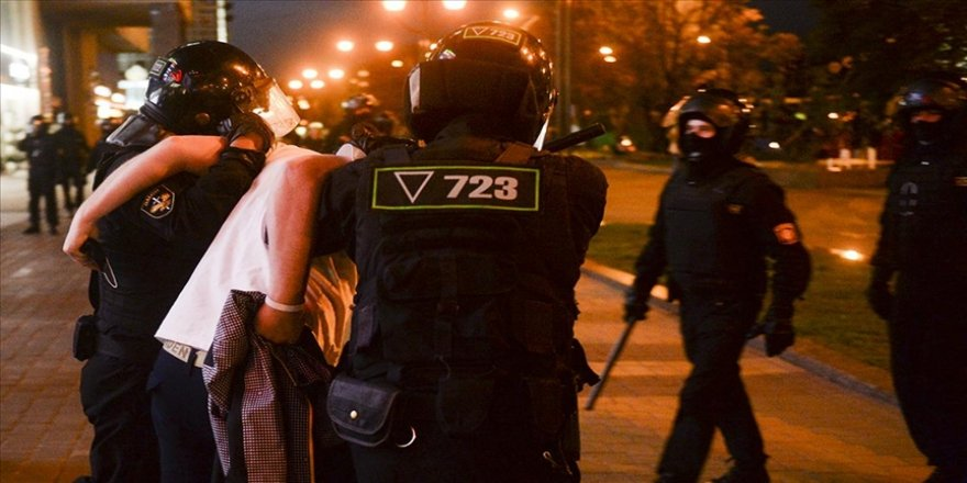 Belarus'ta iktidar karşıtı protestolarda 200'den fazla kişi gözaltına alındı