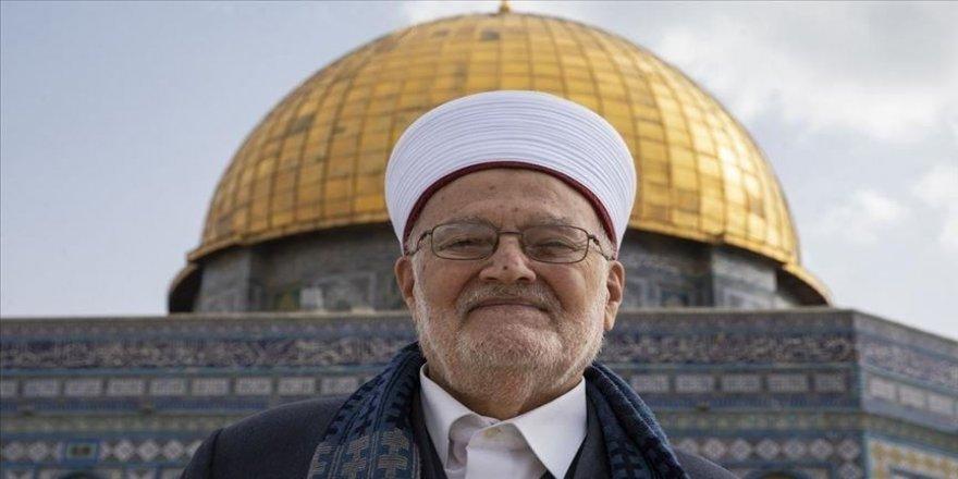 İsrail'den Mescid-i Aksa İmam Hatibi Şeyh İkrime Sabri'ye bir ay seyahat yasağı