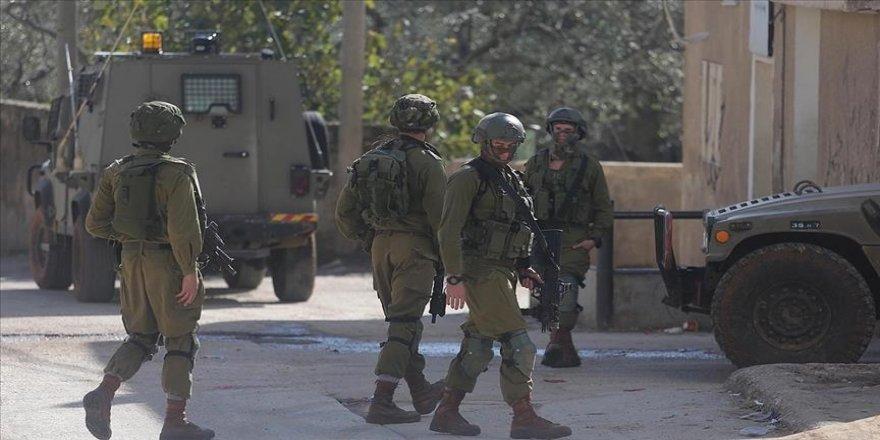 İsrail güçleri Batı Şeria'da 3 Hamas yöneticisini gözaltına aldı
