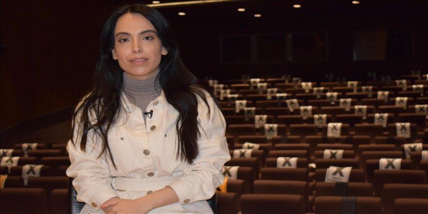 Oyuncu Nurdan Albamya İnce, tiyatro ile seyirci arasındaki bağı anlattı