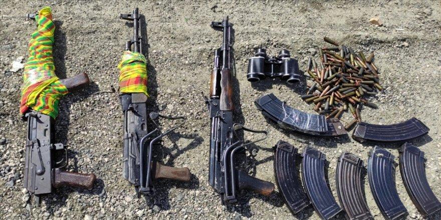 Van'da PKK'lı teröristlere ait silah ve mühimmat ele geçirildi