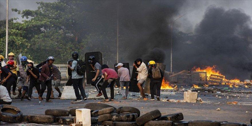 Myanmar'da bugünkü protestolarda en az 16 kişi öldürüldü