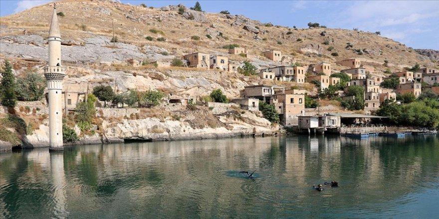 Bozkırın ortasındaki 'sahil kenti' Halfeti'de su sporları yeniden canlanıyor