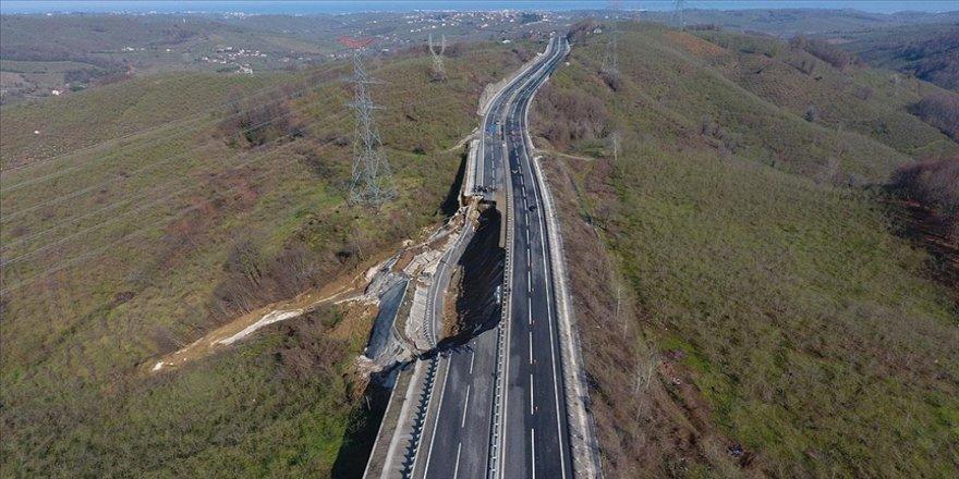 Heyelan ve çökme meydana gelen Batı Karadeniz bağlantı yolunda çalışma başlatıldı