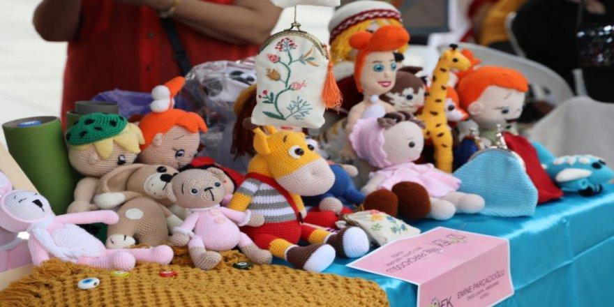 Kadınların el emeği ürünleri vatandaşlarla buluşuyor